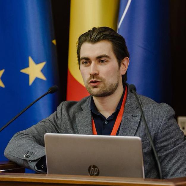 Victor Volovici, MD, PhD(c)